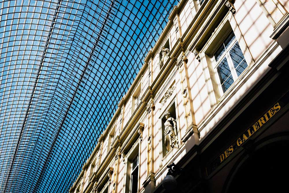 looking-up-in-brussels